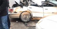 Последствия ДТП в Боомском ущелье на трассе Бишкек — Нарын — Торугарт
