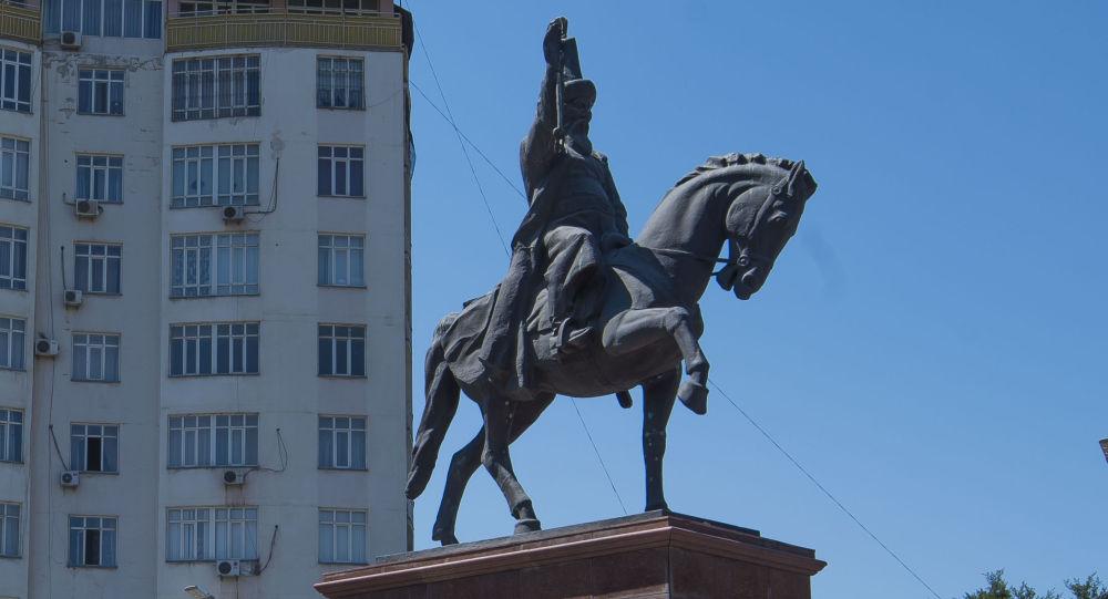 Бишкектеги Ормон хандын эстелиги. Архив