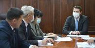 Биринчи вице-премьер Артём Новиков балдар жана өспүрүмдөр спортун өнүктүрүү боюнча кеңешме учурунда