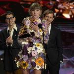 Певица Тейлор Свифт получила одну из самых престижных наград — Альбом года за работу над пластинкой Folklore