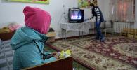 Ирактан кайтарылган кыргызстандык балдар. Архивдик сүрөт