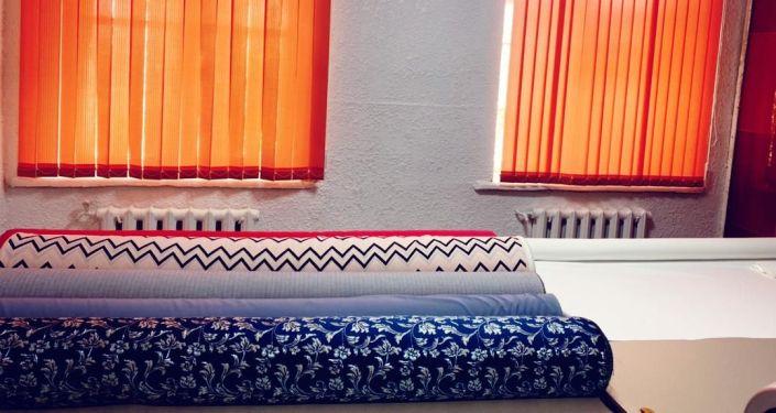 Благотворительный фонд Нурлуу кайрымдуу кыздар женщин-предпринимателей, открыл в Токмаке швейную мастерскую для детей-сирот. 19 марта 2021 года
