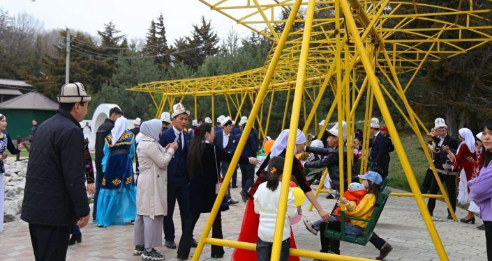 В Ошском парке Мээрим ОшГУ организовал масштабные мероприятия к народному празднику Нооруз
