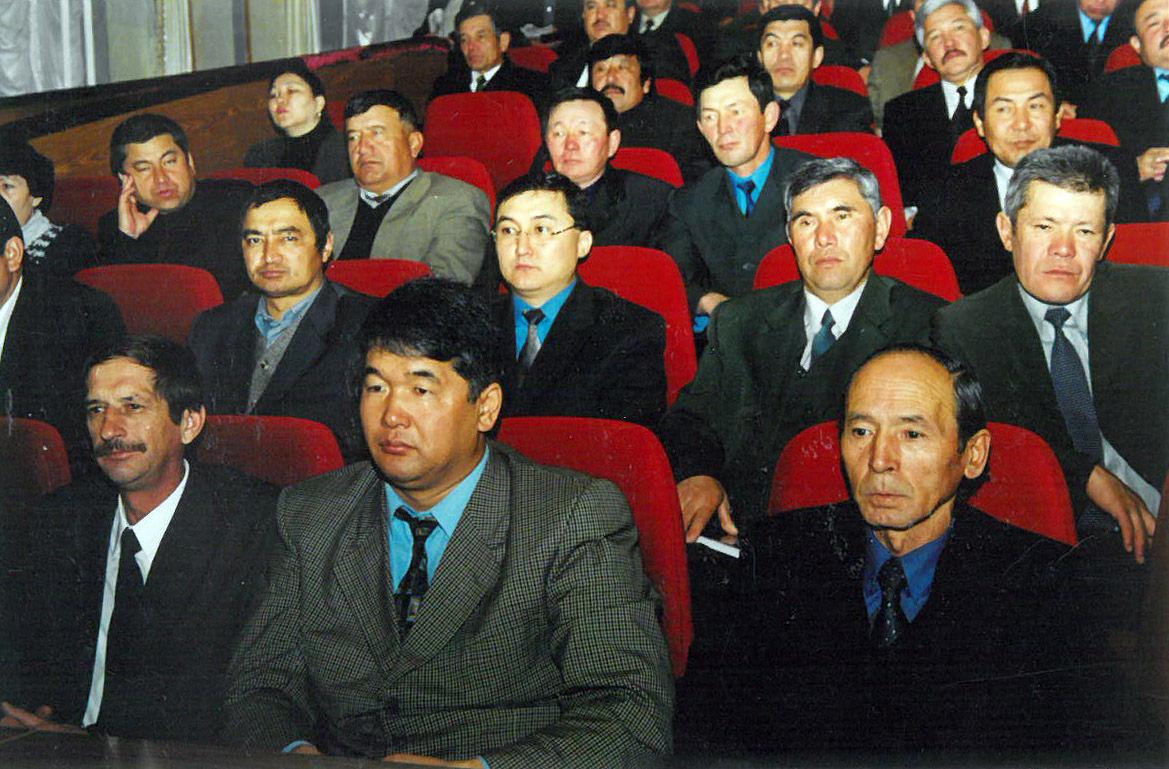 Государственный деятель, автор словаря Кыргыз макал-лакаптары Мусин Орозбаев на заседании