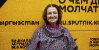 Член Союза художников КР, мастер арт-терапии Марина Громова