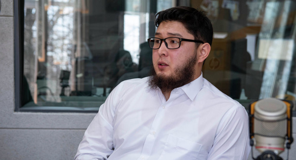 Президент медицинской ассоциации специалистов хиджамы Сунна Бекжан Турабеков на радио Sputnik Кыргызстан