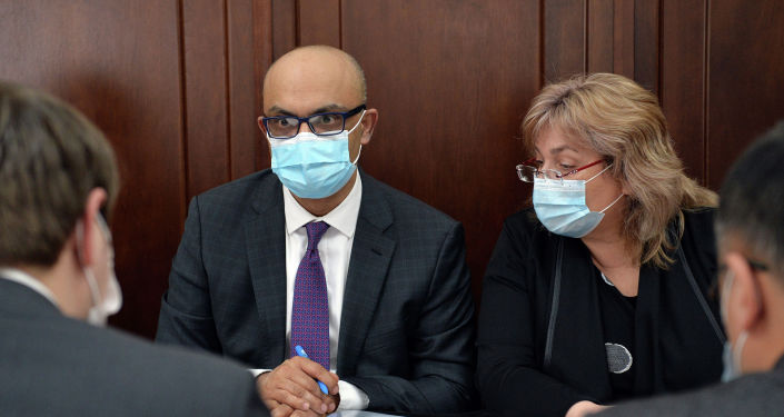Первый вице-премьер-министр Кыргызской Республики Артем Новиков встретился с Главой Офиса Всемирного банка в Кыргызской Республике Навидом Накви.