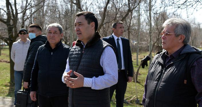 Президент Кыргызской Республики Садыр Жапаров вместе с руководством и сотрудниками Аппарата Главы государства провели субботник