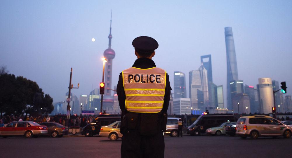 Сотрудник полиции Шанхая. Архивное фото