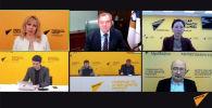 Видеомост Москва — Бишкек — Минск — Ереван — Нур-Султан проходит в пресс-центре информагентства Sputnik.