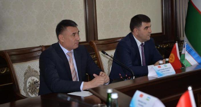 Встреча руководства Джала-Абадской области с делегацией из Наманганской области Узбекистана
