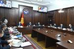 Премьер-министр Кыргызской Республики Улукбек Марипов в ходе заседания правительства в формате видеоконференцсвязи