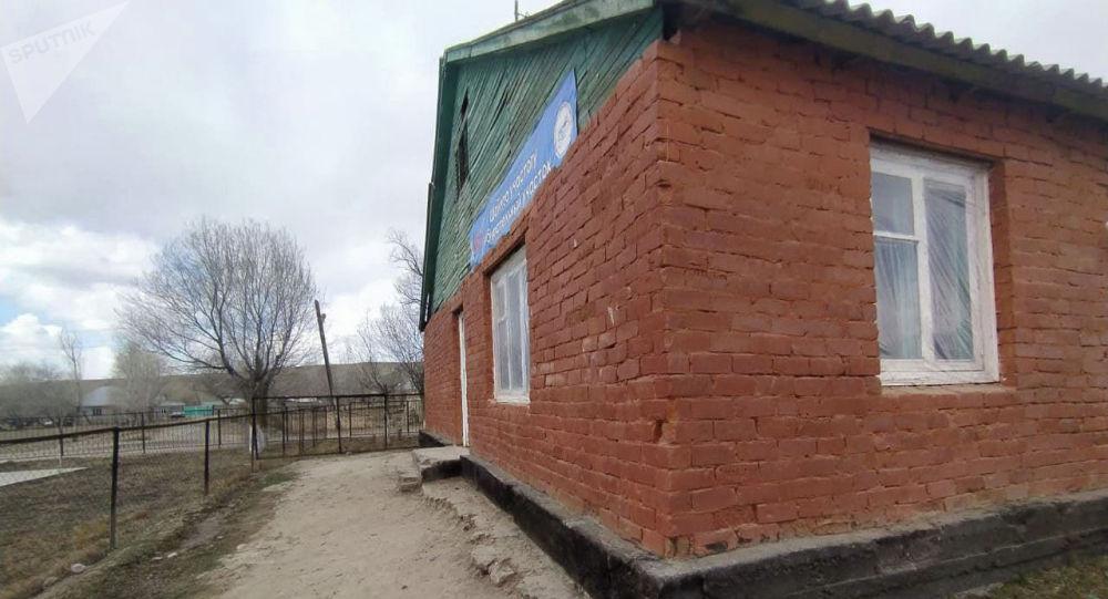 Нарын районунун Ак-Кудук айылындагы Кожоке Омор уулу атындагы орто мектеби