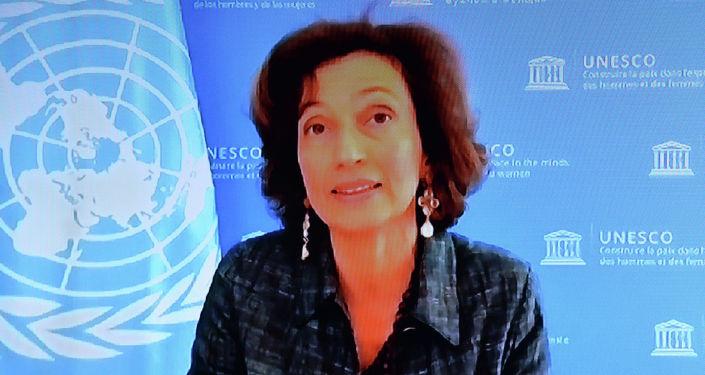 Президент Кыргызской Республики Садыр Жапаров сегодня, 1 апреля, провел переговоры с Генеральным директором ЮНЕСКО Одрэ Азуле в формате видеоконференции.