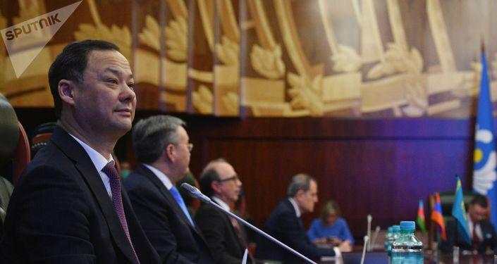 Министр иностранных дел Кыргызстана Руслан Казакбаев принимает участие в заседании Совета министров иностранных дел стран Содружества Независимых Государств в широком составе.