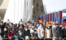 Болельщики массового забега Jaz Demi в Бишкеке. Архивное фото