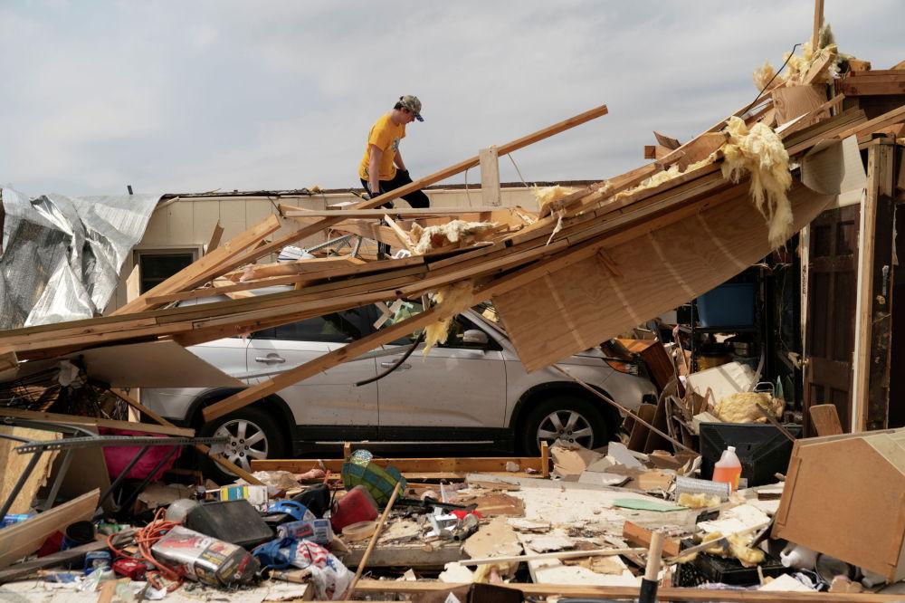 АКШнын Алабама штатында катуу торнадо болуп, бир нече киши каза болду