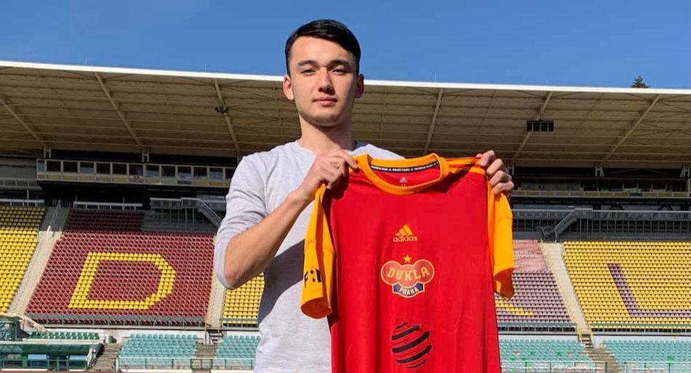 Игрок молодежной сборной Кыргызстана Адилет Каныбеков. Архивное фото