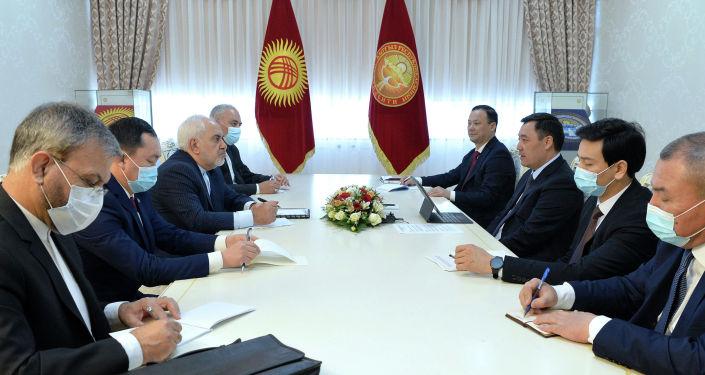 Президент Кыргызстана Садыр Жапаров принял министра иностранных дел Ирана Мохаммада Джавада Зарифа