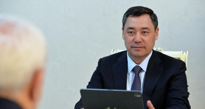 Президент Кыргызстана Садыр Жапаров во время встречи с министром иностранных дел Ирана Мохаммадом Джавада Зарифом