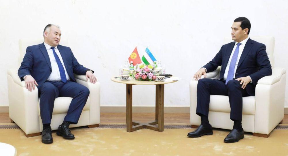 Кыргызстандын энергетика жана өнөр жай министри Кубанычбек Турдабаев менен Өзбекстандын вице-премьери — инвестиция жана тышкы соода министри Сардор Умурзаков менен жолугушуу учурунда