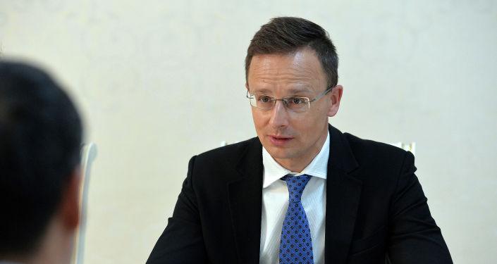 Президент Кыргызской Республики принял министра иностранных дел и торговли Венгрии Петера Сийярто. 08 апреля 2021 года