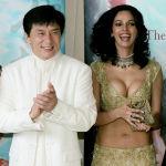 Актер Джеки Чан, актрисы Малика Шерават и Ким Хи-Сон во время продвижения фильма Миф на международном Каннском кинофестивале. 17 мая 2005 года