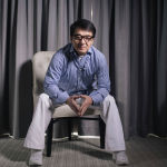 Актер Джеки Чан позирует для рекламы своего фильма Иностранец в Лос-Анджелесе. 03 октября 2017 года