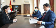 Премьер-министр Улукбек Марипов Кытайдын КРдеги элчиси Ду Дэвэнь менен жолугушу