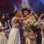 Миссис Шри-Ланка — 2019 и Миссис мира — 2020 Кэролайн Джури отбирает корону у Миссис Шри-Ланка — 2021 Пушпики Де Силвы, заявив, что победительница разведена, то есть нарушила условия конкурса.