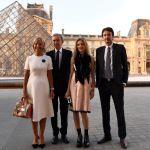 На третьей строчке владелец модного дома LVMH Бернар Арно и его семья. На фото Бернар с супругой, а также сыном Арно и невесткой — российской супермоделью Натальей Водяновой.