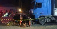 В Оше трое подозреваемых в разбое погибли в ДТП, скрываясь от погони на машине марки Жигули