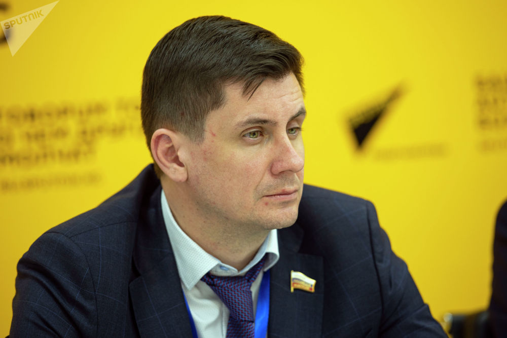 Член Комитета Совета федерации по международным делам Вадим Деньгин