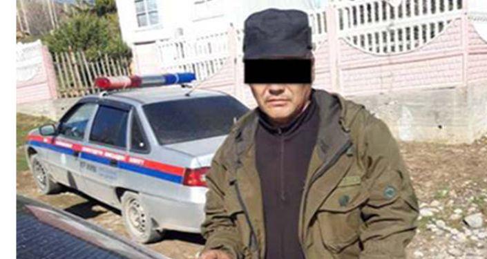 Задержанный подозреваемый в незаконном обороте оружия. 13 апреля 2021 года