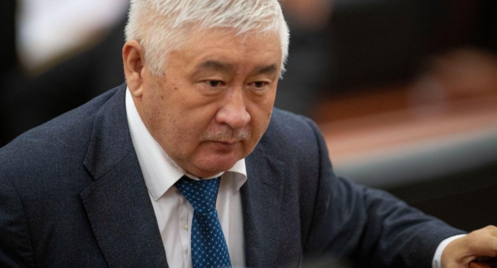 Депутат Зарылбек Рысалиев. Архив