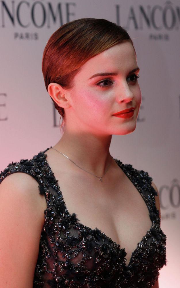 Британская актриса Эмма Уотсон на рекламном мероприятии косметического бренда в Гонконге. 07 декабря 2011 года