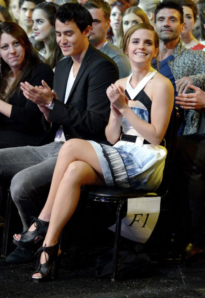 Актриса Эмма Уотсон на церемонии вручения кинонаград MTV в Калвер-Сити, Калифорния. 14 апреля 2013 года
