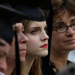 Актриса Эмма Уотсон закончила Брауновский университет, который входит в Лигу плюща со степенью бакалавра английской литературы. Провиденс, Род-Айленд. 25 мая 2014 года