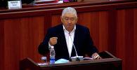 Жогорку Кеңештин депутаты Зарылбек Рысалиев 2019-жылы колдонууга чыгарылган Жазык кодекстерин жокко чыгарууну жана Бишкекте милиция кызматкерлеринин санын көбөйтүүнү сунуштады.