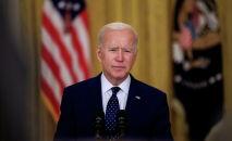 Президент США Джо Байден выступает с речью в Восточном зале Белого дома в Вашингтоне