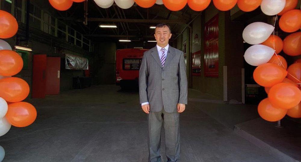 АКШнын Чикаго шаарында көчмө дүкөн бизнесин алгачкылардан болуп ачып, Нarvestrolley компаниясын негиздеген Мирлан Нурматов