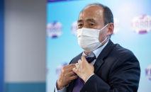 Министр здравоохранения КР Алымкадыр Бейшеналиев на пресс-конференции о лечении коронавируса настойкой иссык-кульского корня (ядовитое растение)