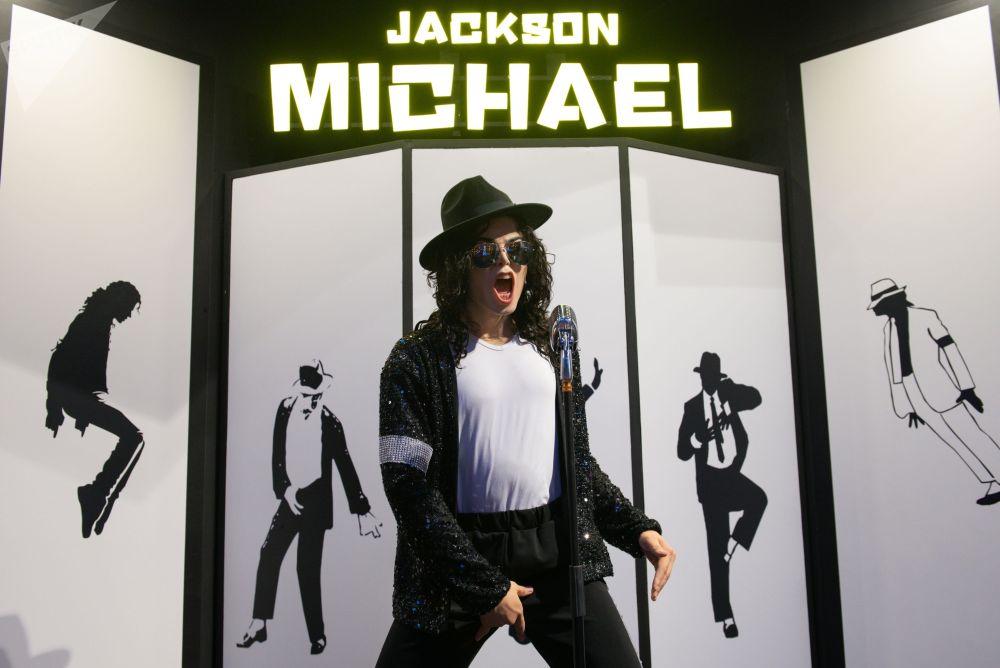 Восковая фигура американского певца Майкла Джексона