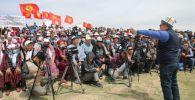 УКМК төрагасы Камчыбек Ташиевдин Савай айылынын тургундары менен болгон жолугушуу учурунда
