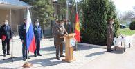 Церемония вручения именных часов президента Кыргызстана Садыра Жапарова 11 российским военнослужащим на авиабазе Кант
