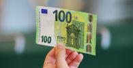 Купюра в 100 евро. Архивное фото
