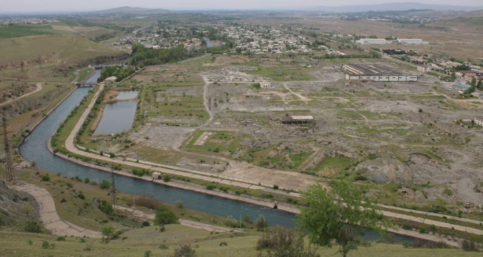 Кемпир-Абадское водохранилище в Ошской области