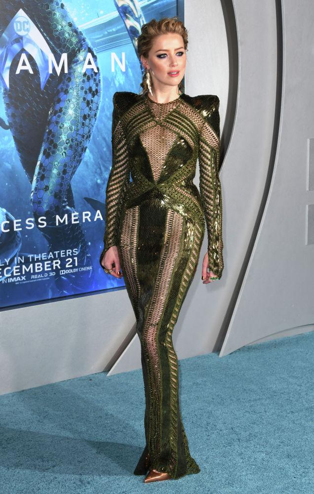 Американская актриса Эмбер Херд прибывает на мировую премьеру фильма Аквамен в Китайский театр TCL в Голливуде. 12 декабря 2018 года
