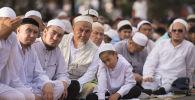 Праздничный Айт намаз в городе Бишкек. Архивное фото