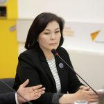 Представитель компании занимающейся импортом дрожжей Гульнара Арапова во время брифинга в мультимедийном пресс-центре Sputnik Кыргызстан